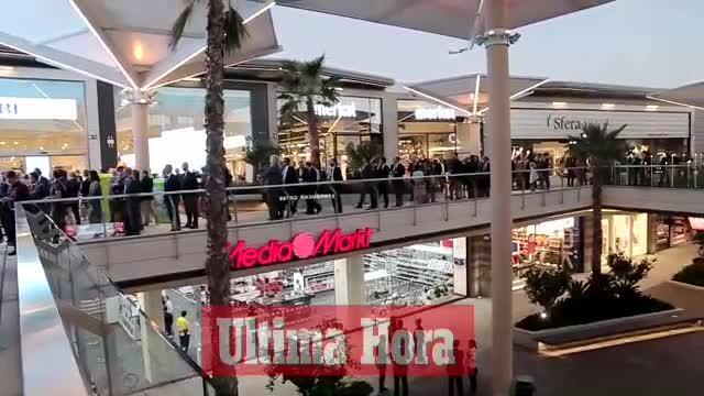 Multitudinaria bienvenida a FAN Mallorca Shopping