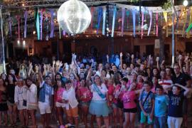 Binissalem celebra la última verbena del verano en Mallorca