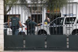 Detenidos 9 inmigrantes tras aparecer una patera en Cala Pi