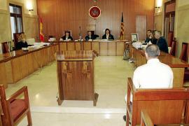 La fiscal mantiene los 18 años de cárcel para el acusado de abusar de su hijastra en Manacor
