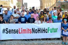 Más de 4.000 personas firman un manifiesto para frenar la masificación en Balears