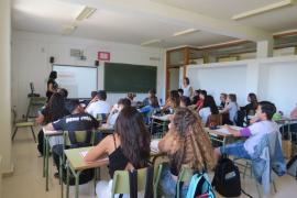 Los alumnos de educación bilingüe en Primaria en la pública consiguen peores resultados académicos