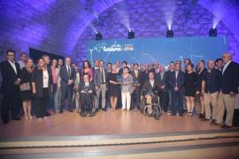 Barceló promete que el Govern «se dejará la piel por esta tierra» en la entrega de los Premios de Turismo 2016
