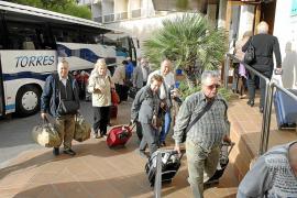 Vuelve la oferta de viajes interislas para la tercera edad cancelados por la crisis
