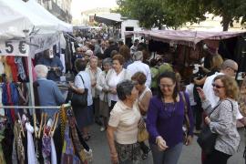 La Fira continúa fiel a la tradición y exhibe los productos y  artesanía del municipio