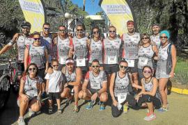 Un equipo de presuntos triatletas