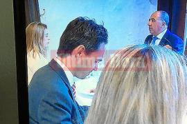 La jueza ponente del 'caso Nóos' sale con un amigo íntimo de Diego Torres