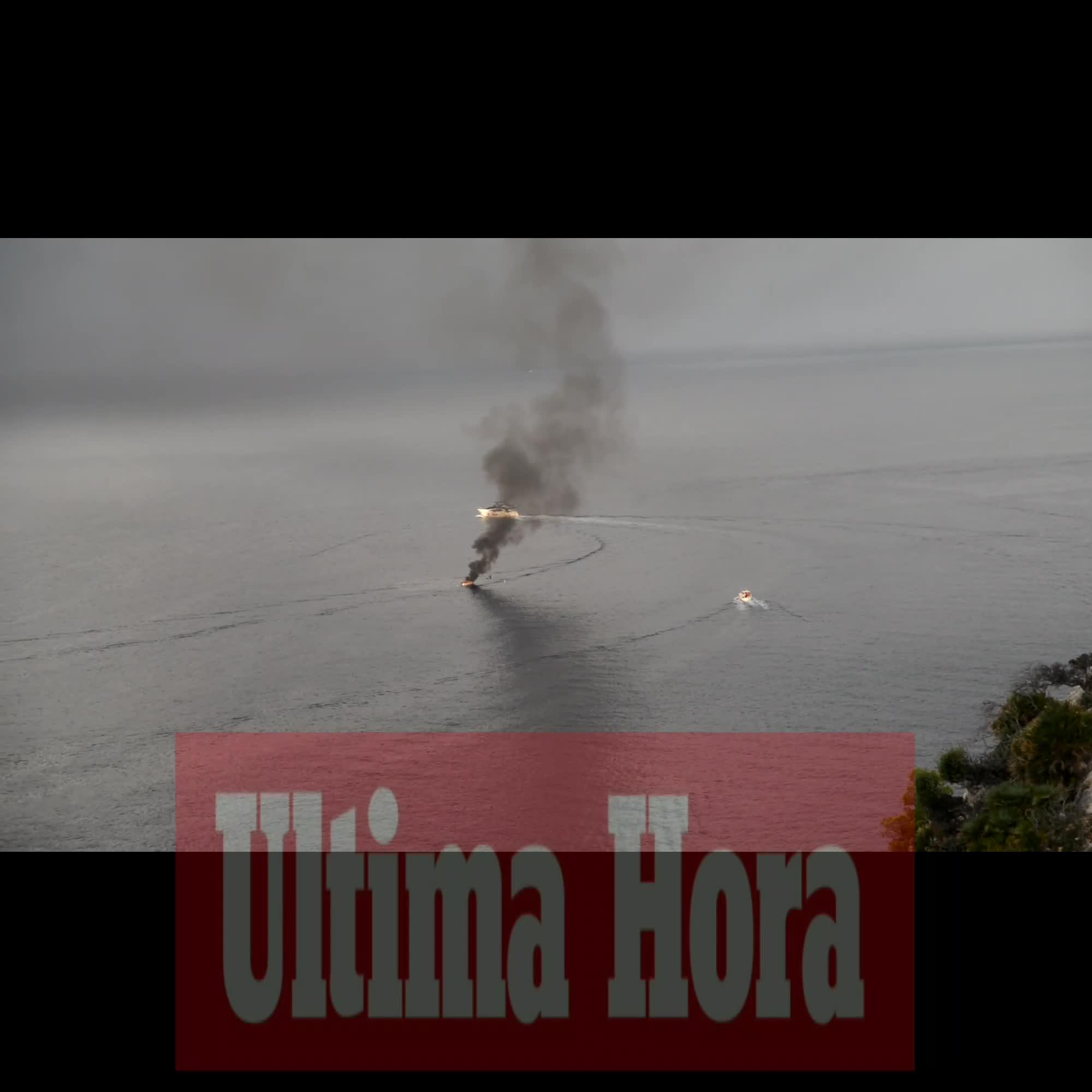 Un herido leve tras incendiarse un llaüt en el Puerto de Andratx