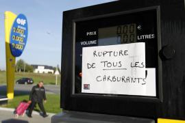 El gobierno francés crea un centro de crisis ante la falta de carburante