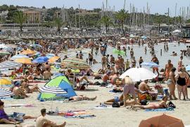 Touroperadores alemanes y británicos retrasan pagos a hoteleros desde junio