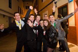 Alegría y brindis para recibir el 2010 en  Menorca
