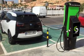 Mallorca contará con puntos de recarga gratuitos para fomentar el uso del coche eléctrico