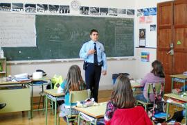 Los municipios del Pla tendrán catorce agentes para evitar incidentes escolares
