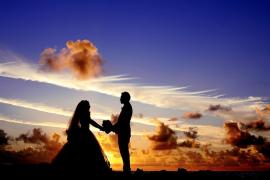 Tras tres meses de matrimonio, descubre que se ha casado con su abuelo