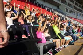 Alumnes del Ceip Ma. Antònia Salvà, visitaren l Iberostar Estadi i Grup Serra