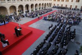 La Policía Nacional condecora al juez que investiga la corrupción en Sant Ferran