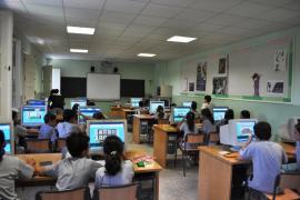 Los docentes reclaman más reconocimiento social y menos horas lectivas