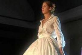 Tony Bonet y Elisa Pomar desfilan en el 'Fashion Weekend Sevilla 2016'