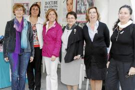 Un centenar de mujeres fallecen cada año en Mallorca por cáncer de mama
