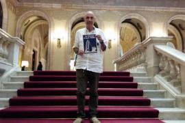 Lluís Llach apoya a Sa feixina sí que Tomba