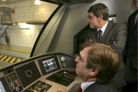 Antich visita en Irún la cadena de montaje de los nuevos trenes eléctricos para SFM