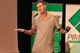 Ajram: «La atención al cliente debe ser exquisita por su poder en Internet»