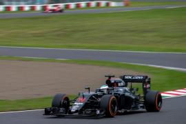 Alonso se plantea «por qué hace una semana estábamos séptimos y ahora detrás de Sauber»