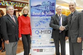 Un centenar de médicos participa en Palma en el primer simposio europeo sobre cirugía oculoplástica