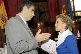 El PP dice que Calvo creó dudas al plantear que la gestión del Palacio fuese pública
