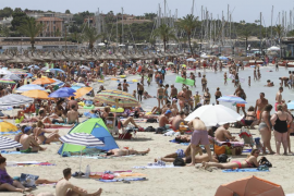 Mallorca concentrará a 25 personas por metro de playa en el año 2030
