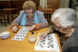 Los mayores podrán seguir jugando al bingo en los hogares de la Tercera Edad
