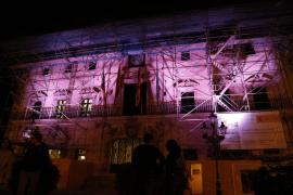Cort se ilumina de rosa por el Día Internacional de la Niña