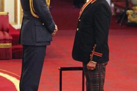 Rod Stewart, investido Caballero del Imperio Británico