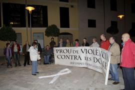 Una veintena de hombres participa en una 'rueda' contra la violencia de género