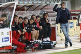 """Laudrup pide a sus jugadores concentración ante un rival tan """"competitivo"""" como el Valencia"""