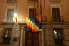 Guerra de banderas en Madrid con motivo del 12 de octubre