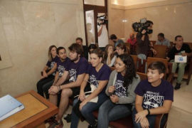 Condenadas a un año de cárcel cinco de las feministas que irrumpieron en Sant Miquel