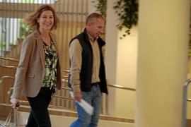 Delgado se reúne con militantes del PP sin la presencia de Ruiz