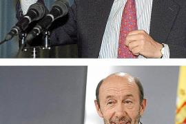 El PP pide la dimisión de Rubalcaba el primer día que ejerce de 'número dos'
