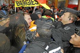 El Senado francés aprueba el retraso de la jubilación pese a las protestas