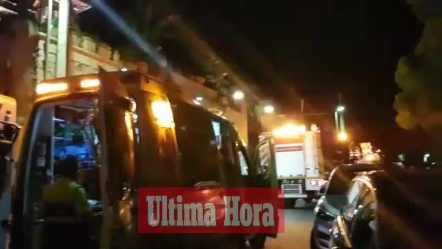 Cinco intoxicados leves por un incendio en Andratx