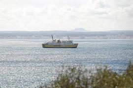El Ajuntament de Alcúdia advierte del impacto que crea el 'Nura Nova' en la bahía
