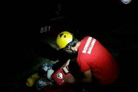 Los bomberos rescatan a un alemán de 86 años en el Barranc de Biniaraix