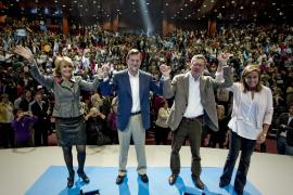 Rajoy compara a ZP con los malos defensas que sólo dan patadas