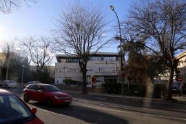 Operación policial en Cort por fraude en el contrato de la ORA