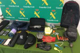 La Guardia Civil expone el material incautado a la «banda del taladro»
