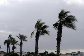 Tormentas y fuertes vientos hoy en Balears
