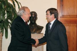 El presidente del Mallorca explica su proyecto a Antich