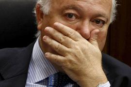 "Pérez Reverte llama a Moratinos ""perfecto mierda"""