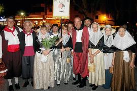Palma sale a la calle en el desfile de la Beateta